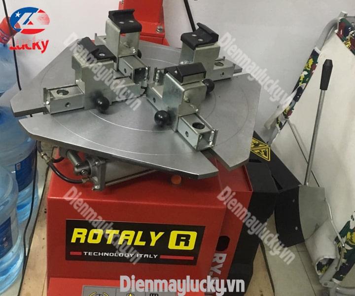 Máy Ra Vào Lốp Xe Tải Rotaly Ry 806 (4) Min (1)