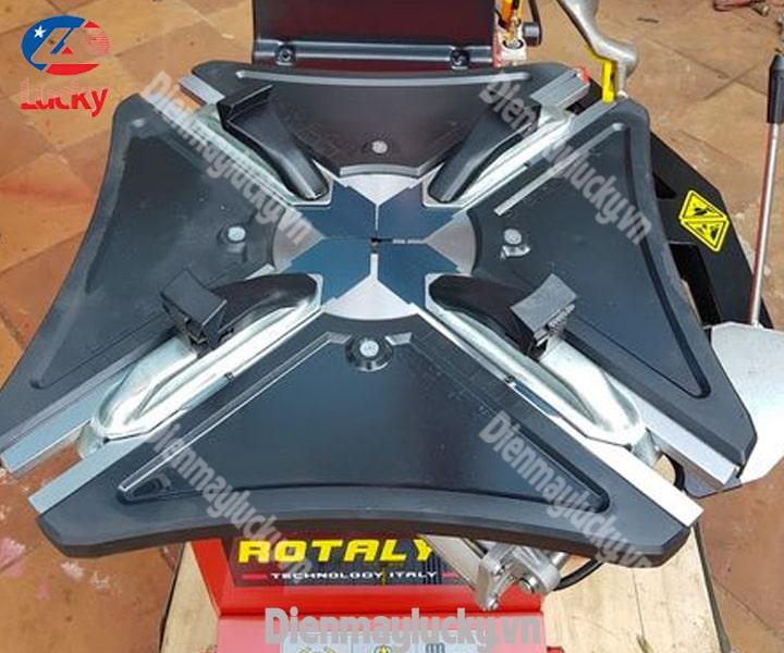 Máy Ra Vào Lốp Xe Tải Rotaly Ry 824 (1) Min